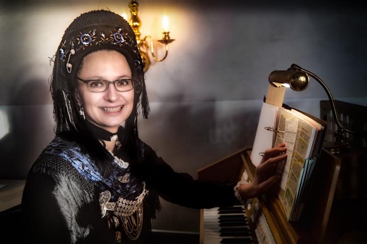 | Halligen | Langeneß | Kirchwarf | ...Virginia, Organistin der Halligkirche